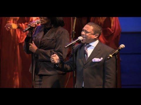 Donnie McClurkin - Great Is Your Mercy - Gospel Festival de Paris 2010