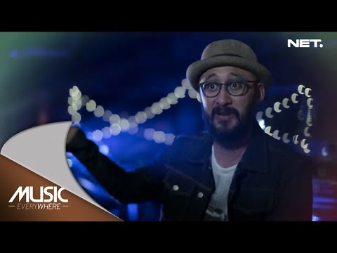 Wingky & Evan Feat Aqinomoto - Mobil Balap (Naif Cover) - Music Everywhere
