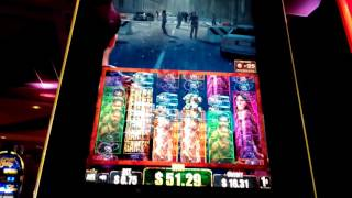 THE WALKING DEAD SLOTS ,SEMINOLE HARDROCK CASINO ,HOLLYWOOD,FLORIDA