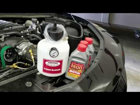 2016 Camaro SS Changing To  DOT 4 Brake Fluid Using Power Bleeder