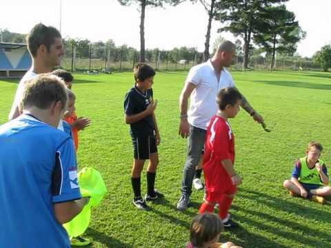 Scuola calcio alessandro iannarilli doganella di ninfa for Doganella di ninfa