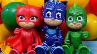 Видео про супергероев. Герои в масках попали в ловушку Ромео! Игры в игрушки