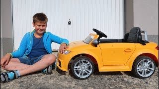 Funny Baby Unboxing, Assembling and Ride on New Audi TT Roadster Power Wheel Car mini