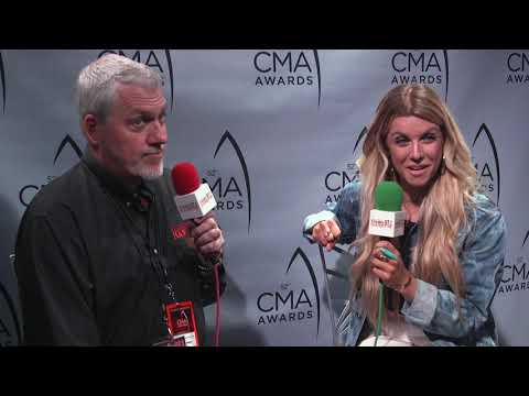 Lindsay Ell | Working with Brantley Gilbert