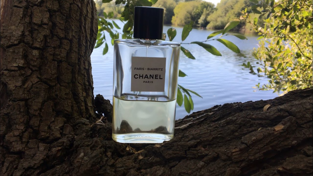 d53c098f2a Chanel biarritz Fragrance review featuring Mr Smelly