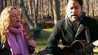 "Garden Sessions: Amy Helm & The Handsome Strangers - ""Atlantic City"" - Radio Woodstock 100.1"