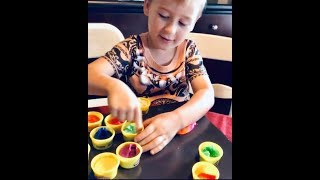 Counting Halloween Toys, Learning Play Doh Colors, and Making Monster Spaguetti with Lucca