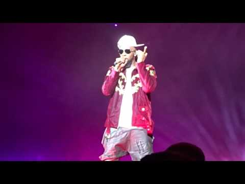 R. Kelly - Slow Wind & Cookie (The Buffet Tour in Miami on 5.28.16)