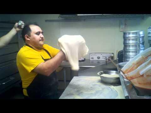 Fastest pizza maker-Simon the king