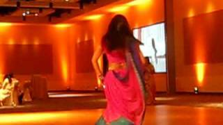 Ashka & Shreya Dance to Main Sasural from Chandni