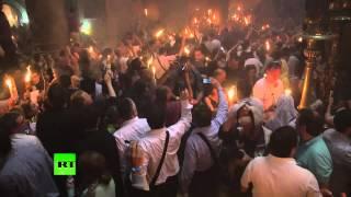 В храме Гроба Господня в Иерусалиме сошел Благодатный огонь(Тысячи паломников в Иерусалиме стали свидетелями чудесного сошествия Благодатного огня. Это событие проис..., 2014-04-19T18:17:11.000Z)