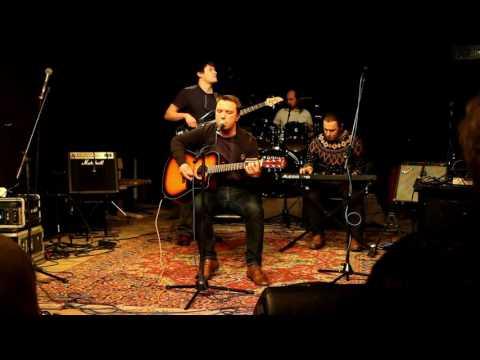 Смотреть клип Осень в Амстердаме - Наперечет (акустическая версия) онлайн бесплатно в качестве
