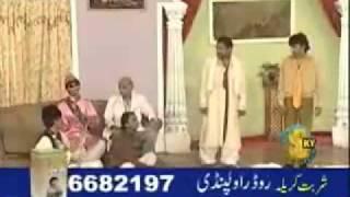 Download Video (32) Funny Punjabi stage Qawwali & Mushaira - YouTube.flv MP3 3GP MP4