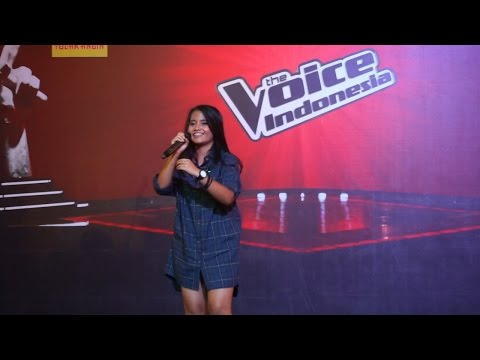 Hanin Dhiya - Lean On at TangCity (Mall To Mall The Voice Indonesia)
