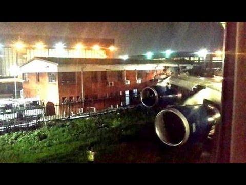 "British Airways plane ""crashes"" into building at Johannesburg airport"