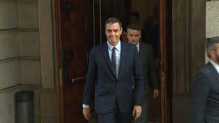 Sánchez abandona en el Congreso tras tres horas y media reunido