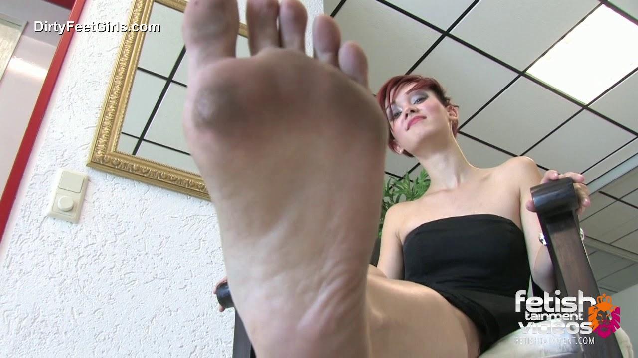 Bist du bereit meine schmutzigen Füße zu lecken? Entdecke