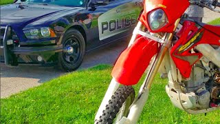 Dirt bike VS Cops in Detroit