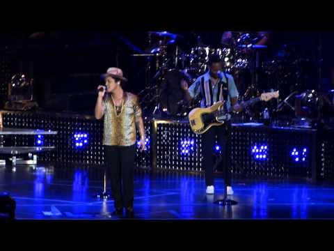 [Live] Bruno Mars: Just The Way You Are - Molson Canadian Amphitheatre, Toronto, July 3, 2013