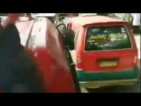 Video Viral Sopir Angkot Halangi Mobil Damkar yang Hendak ke Lokasi Kebakaran, Sempat Bersenggolan Mp3