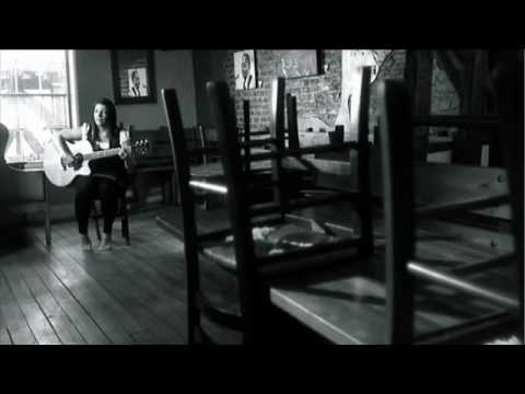 Edwina Hayes - Want You to Stay - Official clip - HD
