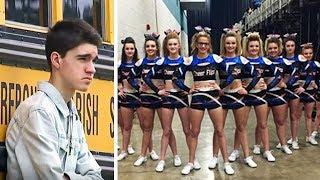 Jugendlicher wird vor dem Abschlussball abgelehnt und ausgelacht, dann stehen 13 Mädchen vor ihm