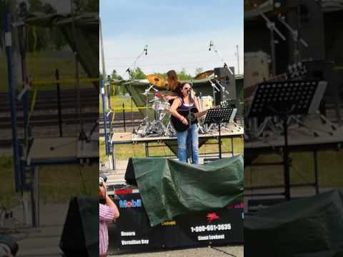 Sioux Mountain Music Festival 2017. Mary-Ann & Maddy