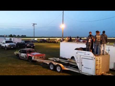 360 sprint feature at sioux speedway
