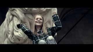 Смотреть клип Kanita Suma - Young & Reckless