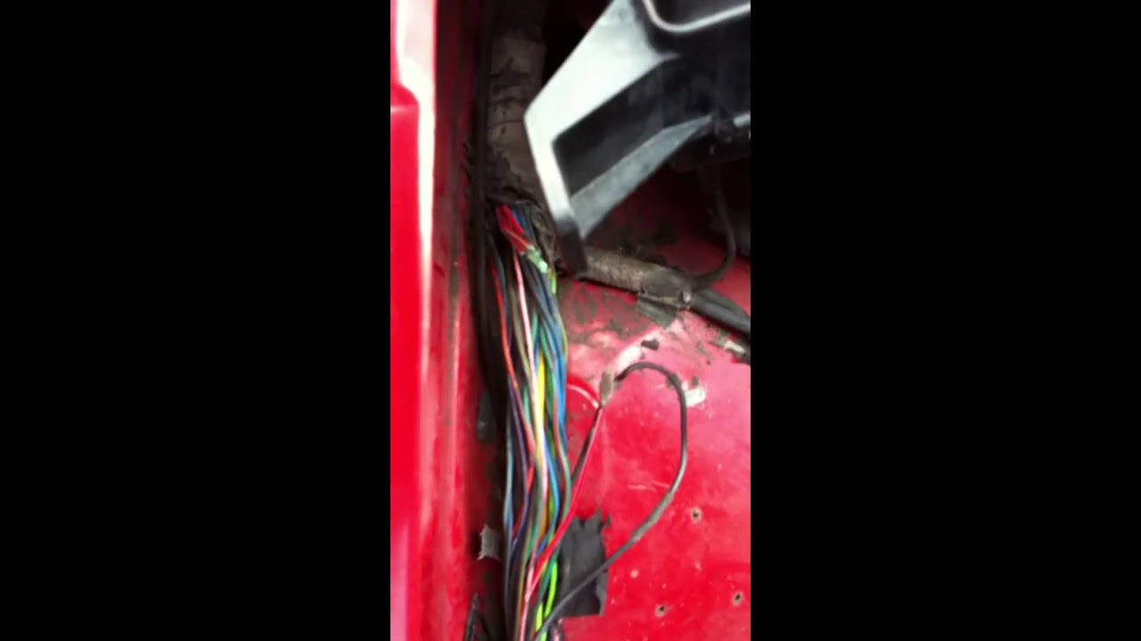 1994 Dodge Dakota Won't Start. Part 1 - YouTube on geo tracker wire harness, ford taurus wire harness, jeep cj7 wire harness, jeep tj wire harness, dodge neon wire harness,