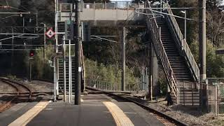 JR九州817系 青井岳駅到着
