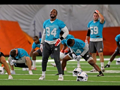 """""""die-a-slow-death"""",-miami-dolphins-rb-drake-says-about-any-back-trying-to-block-de-quinn"""