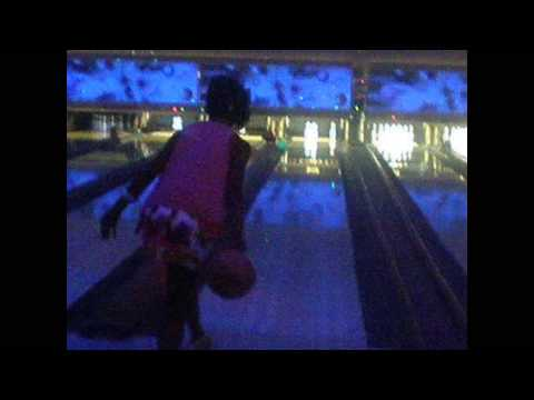 Samantha & LilTune Bowling ! from YouTube · Duration:  1 minutes 45 seconds