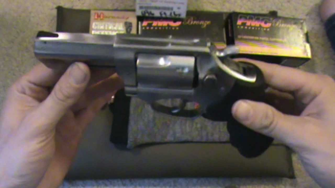 Ruger SP101 357 magnum 3 inch review hogue monogrips