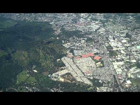 El Salvador y San Salvador: sobrevolando la capital