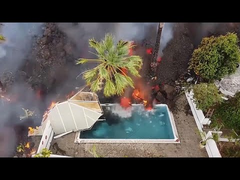 شاهد: بركان -كومبري فييخا- بجزر الكناري الإسبانية يخلف دمارا وحممه تهدد الحياة البحرية …  - نشر قبل 60 دقيقة
