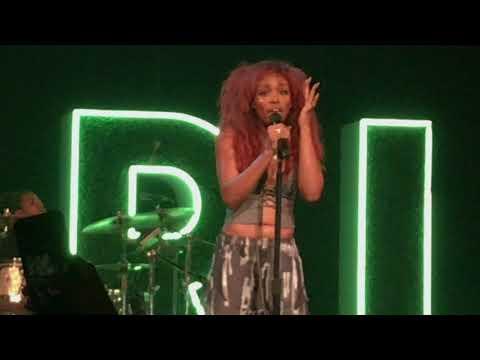 (HD) SZA - Normal Girl - Warehouse Live - Houston, TX 10/03/17