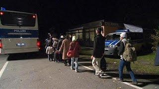 ألمانيا تقلص نقاط عبور اللاجئين على حدودها مع النمسا      1-11-2015