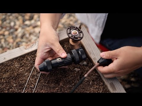 Descargar Video How to Install a Drip System in Raised Beds 💦🌿// Garden Answer