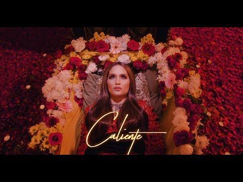 Cinta Laura Kiehl - Caliente (Official Music Video)