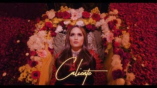 Cinta Laura Kiehl - Caliente (Official Music Video)