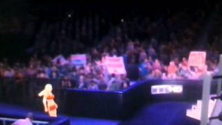 WWE 12 Torrie wilson entrance CAW