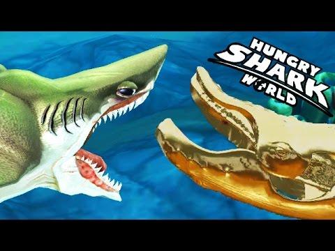 Hungry Shark World - Megalodon vs Gold Blue Whale