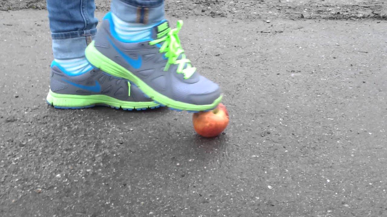 Nike Revolution 2 vs. Apple