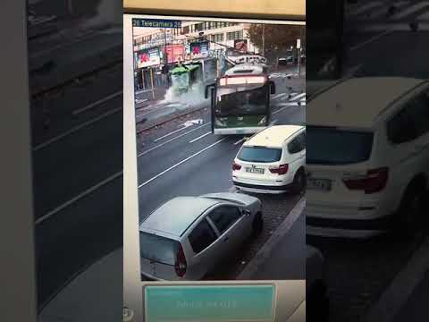 Incidente Milano Autobus Camion Amsa