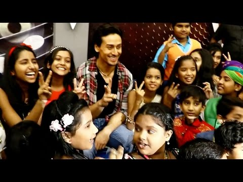 UNCUT: Here's What Kids Did After Seeing Tiger Shroff!