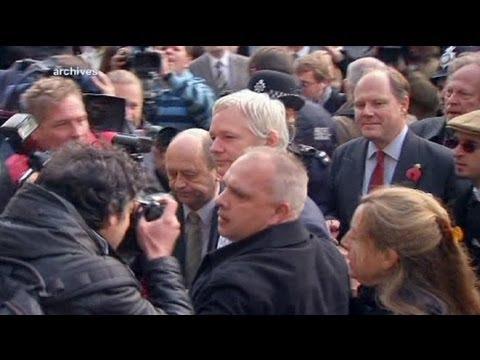 Polizei an Assange: Komm freiwillig raus, dann nehmen wir dich fest