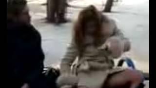 Пьяная девка и бомж  D