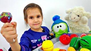 Игры для детей: МАГАЗИН. Ам Ням и Чупа Чупс. Развивающее видео.