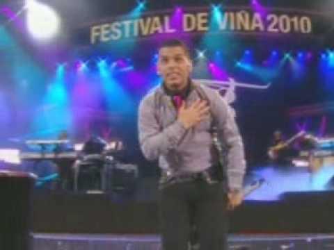 Mi cama huele a ti - Tra - Caile - live festival 2010 tito el bambino